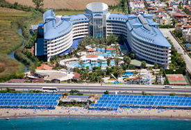 Crystal Admiral Resort Suites - Antalya Luchthaven transfer