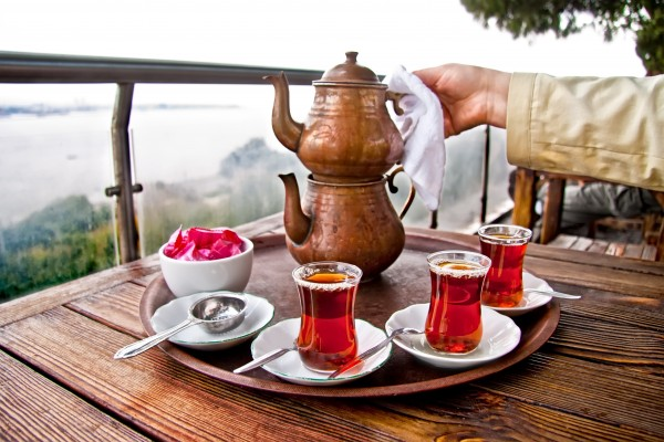 Turkish Tea Culture : Facts, History & Social Etiquette